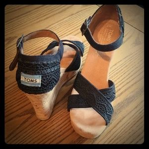 Toms wedge sandals